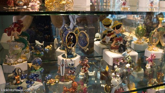 Crystal Arts - Shops Services On Disneyland Park Anaheim, California